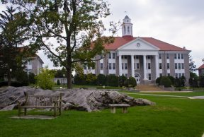 10 Reasons Why You Shouldn't Go to James Madison University