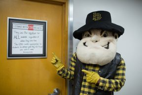 10 Ways To Kick Butt in Your Freshman Year at CSULB