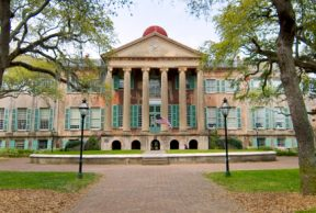 Best and Worst Things About Your First Week at the College of Charleston
