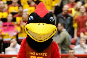 10 Ways To Kick Butt in Your Freshman Year at Iowa State
