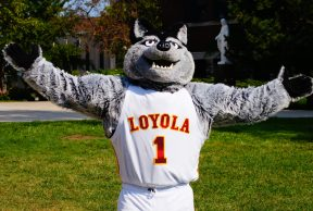 10 Ways To Kick Butt in Your Freshman Year at Loyola University of Chicago