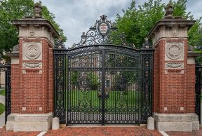 11 Reason NOT to Attend Brown University