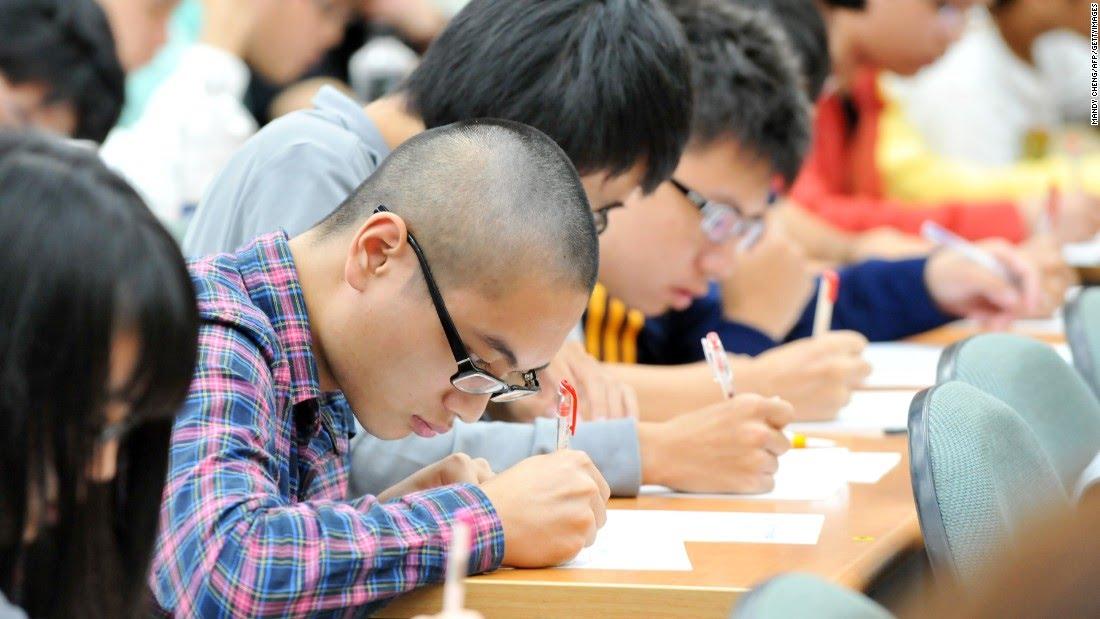 150331115950 high school students in eyeglasses super 169