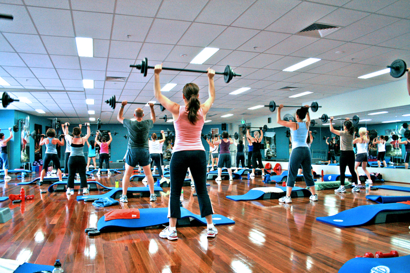 Barbell group fitness class2