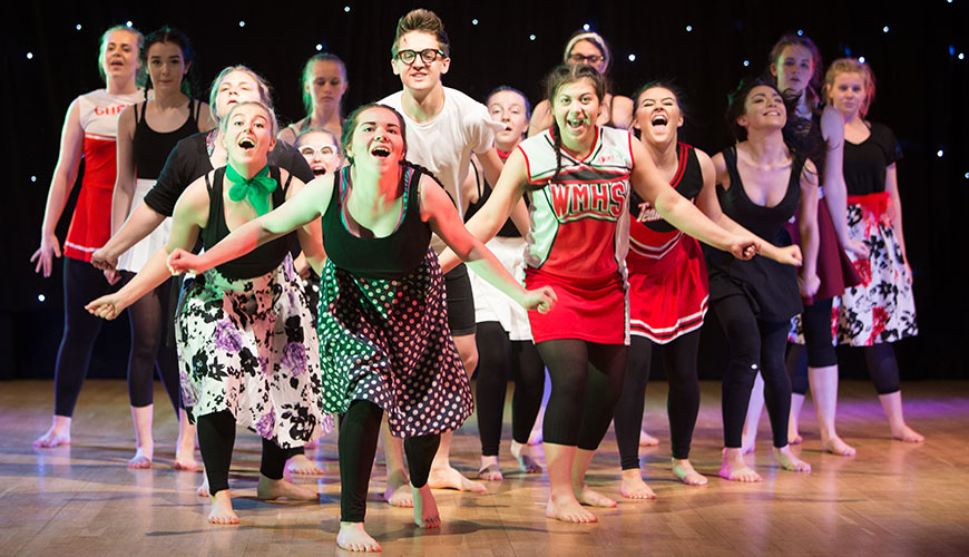 4 Best Performing Arts Clubs To Watch at Suffolk University