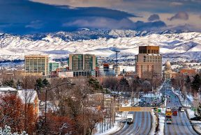 Top 5 Places to Eat Off Campus for Boise State Students