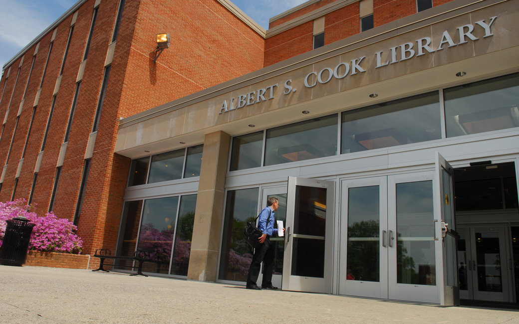Library exterior 04 m