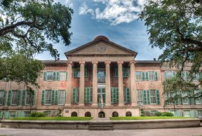 The 4 Best Places to Eat on CofC's Campus