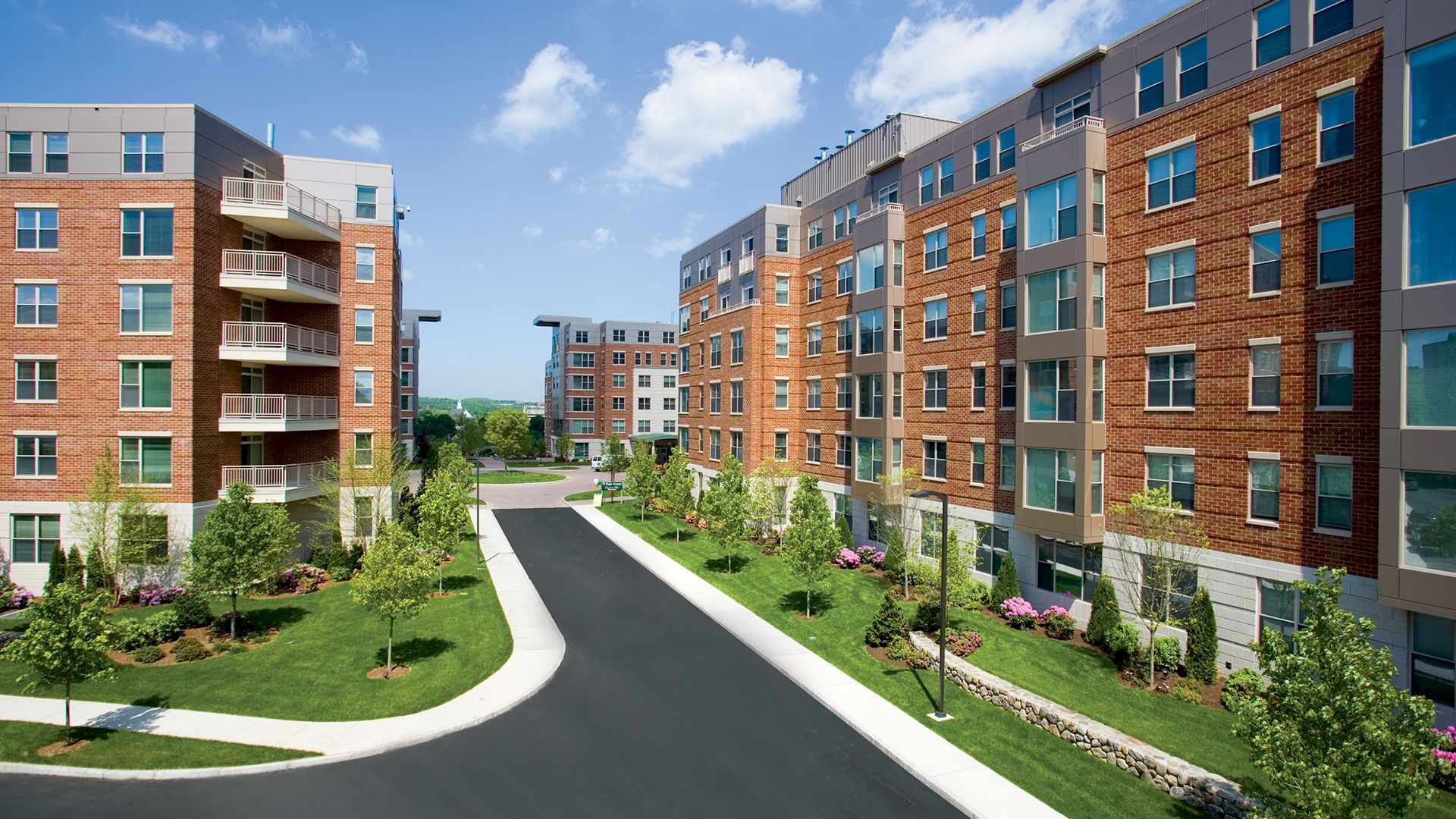 Best 5 off campus apartments for gvsu students oneclass blog for Apartment complex building plans