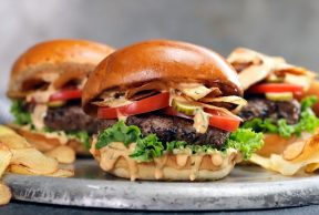 5 of the Best Burger Places Near UTSG