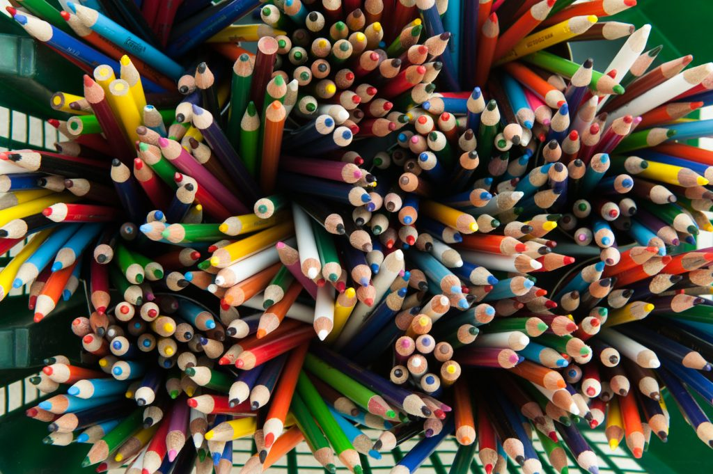An image of colored pencils.