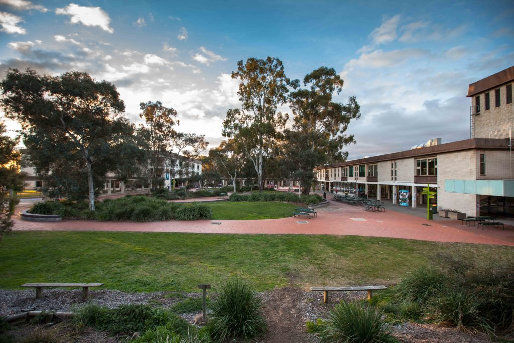 10 Easiest Courses at University of Canberra