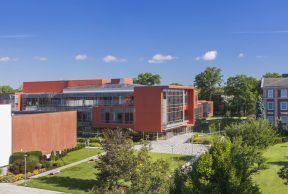 10 Easiest Courses at Adelphi University