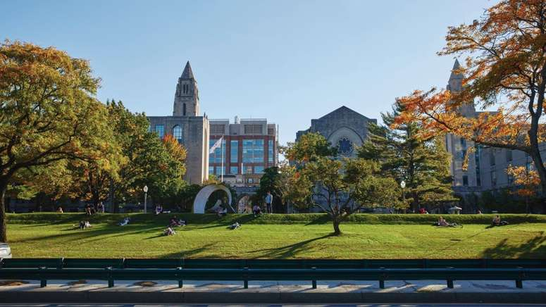 10 Buildings to Know at Boston U