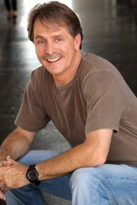 Best-selling comedian and author Jeff Foxworthy will feature at the University of Delaware's annual Parents and Family Weekend
