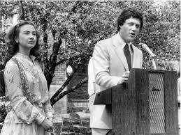Hillary and Bill Clinton when they were young.