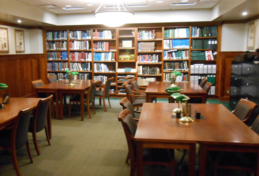 a picture of the mahn library