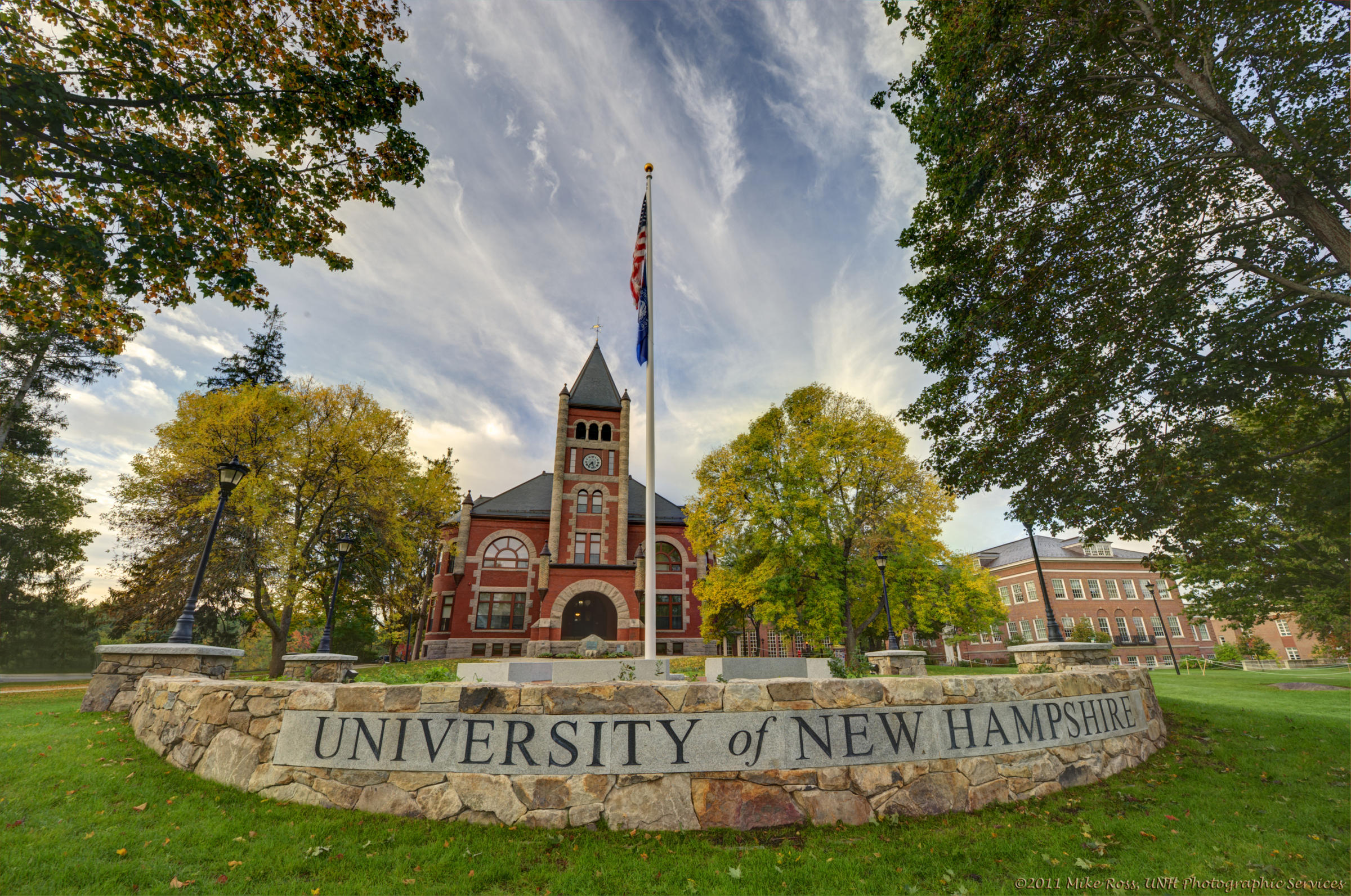 University of New Hampshire campus sign
