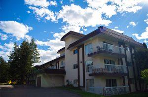 St. Laurent Manor Apartments