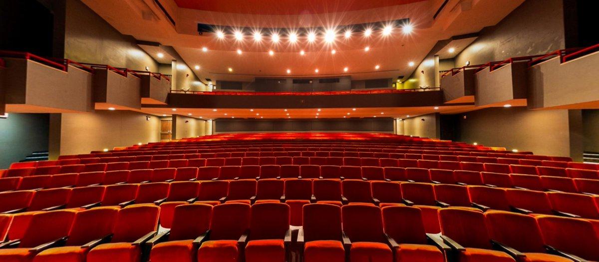 Image of theatre seats.