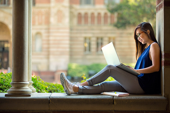OneClass vs. Chegg: Comparing College Study Tools