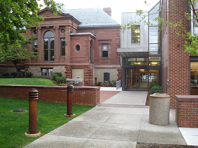 The main entrance of the Watertown Free Public Library
