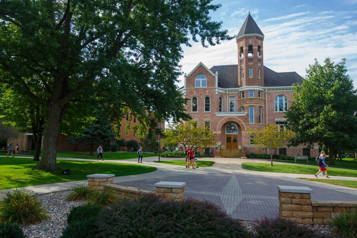10 of the Coolest Clubs at Northwestern College