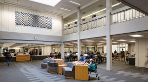 DE ANZA COLLEGE LIBRARY Interior