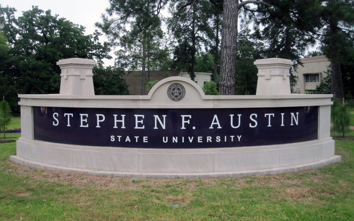 The main sign at the entrance of Stephen F. Austin State University