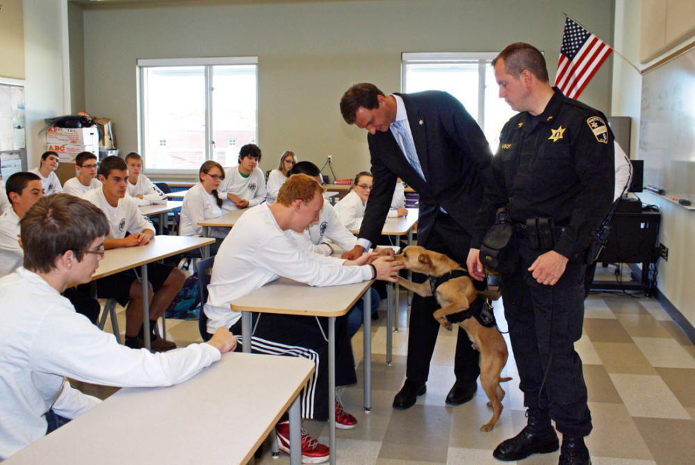 Sheriffs Office shows service dog to criminology students