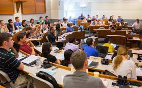 Students in a business lecture at UMA.