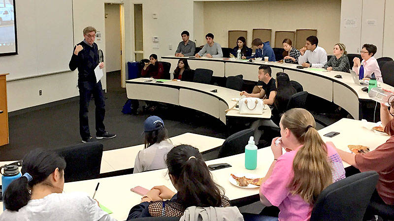 Professor and faculty adviser for the USF Chapter of the American Marketing Association John O'Meara held a meeting with students.