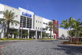 Jobs and Opportunities For Students at Miami Dade College