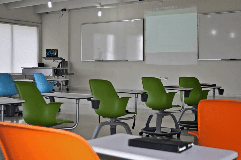 clasroom with whiteboard