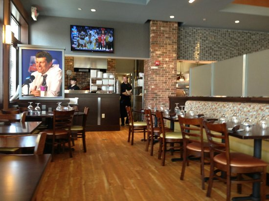 Geno's cafe and grille at uconn