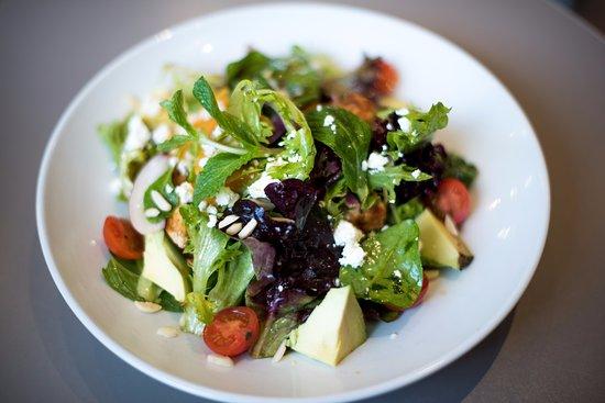 Healthy salad image served.