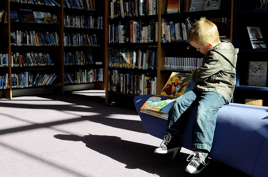 kid at the library