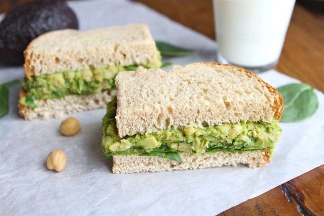 smashed-chickpea-avocado-salad-sandwiches