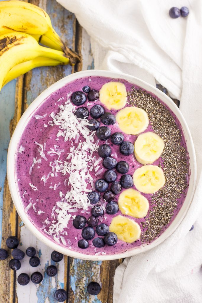 Refreshing smoothie bowl image.