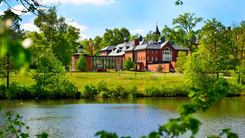 10 of the Coolest Courses at Mount Holyoke College