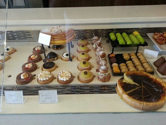 Snacks and pastries at Pandor cafe