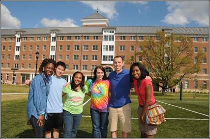 A group of students on SU campus.