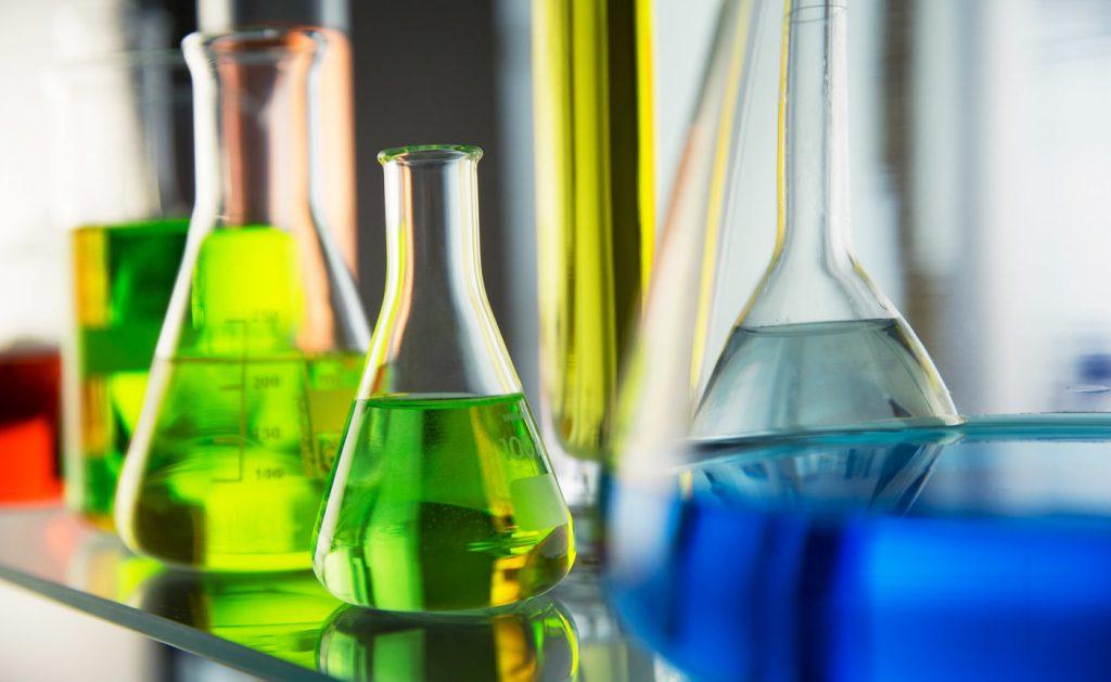 Image of an Organic Chemistry setup