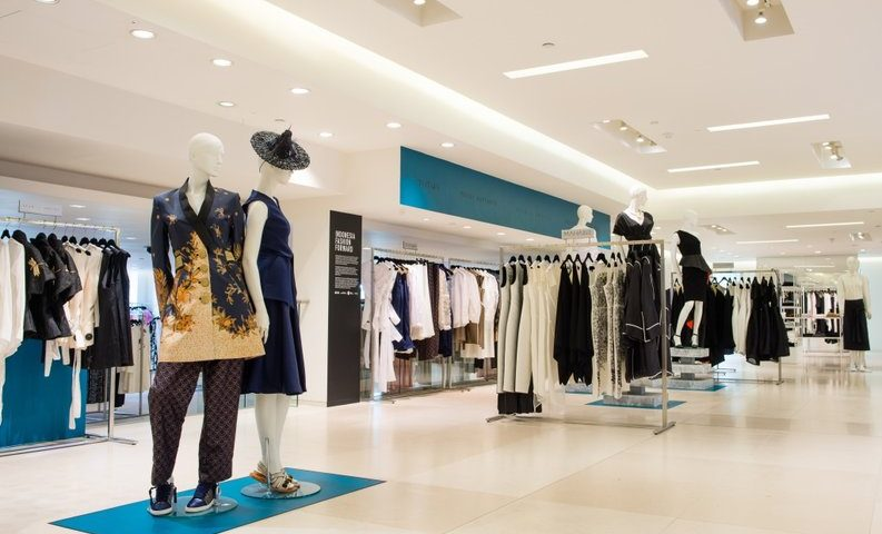 Image of a fashion outlet