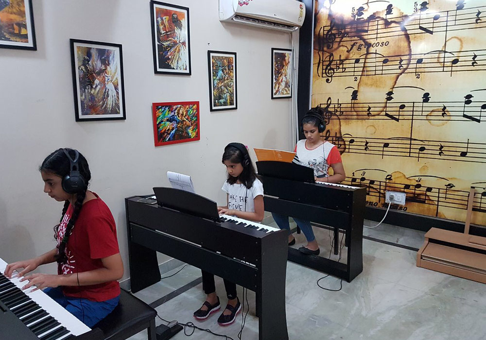 Students in a piano class