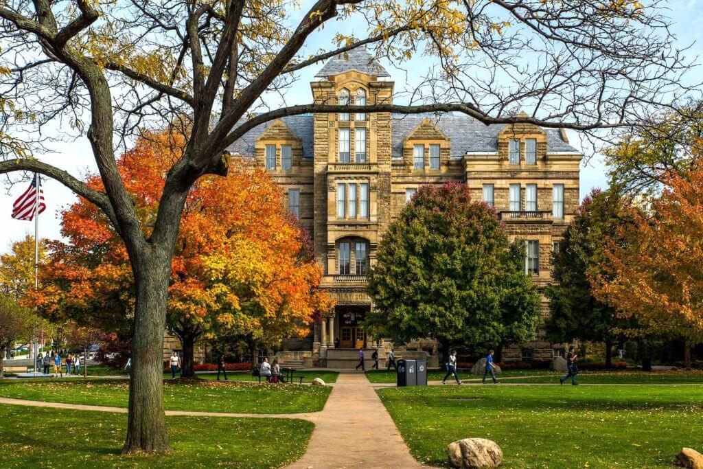 10 Coolest Courses at Case Western Reserve University