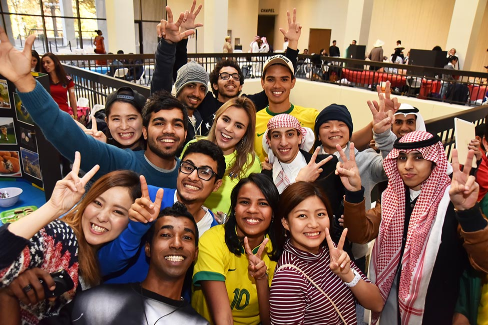 Students group photo at Mercer University.