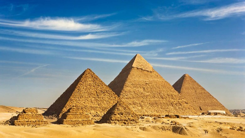 picture of egyptian pyramids