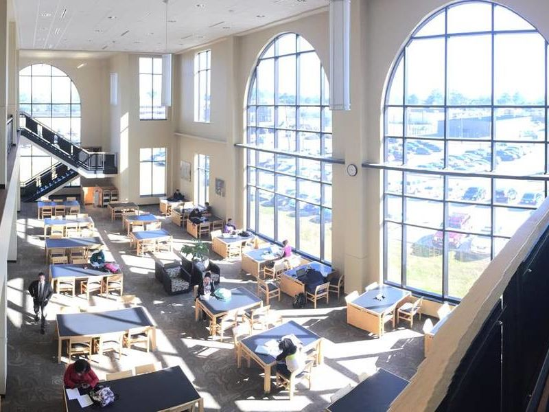 10 Coolest Courses at Baton Rouge Community College