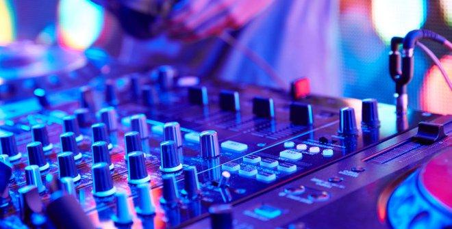 An electronic music mixer